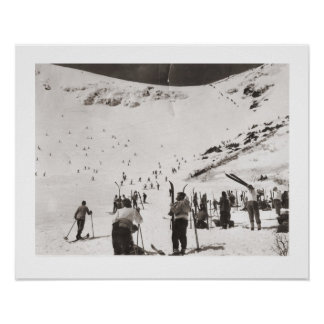 Vintage ski  image, Skiers on the piste Poster