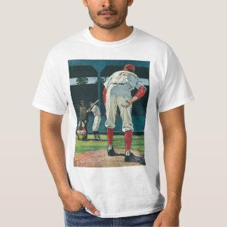 Vintage Sports Baseball Players Pitcher on Mound T-Shirt
