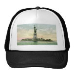 """Vintage """"Statue of Liberty"""" Poster. New York. Trucker Hat"""