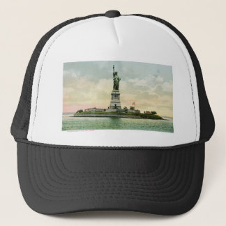 "Vintage ""Statue of Liberty"" Poster. New York. Trucker Hat"