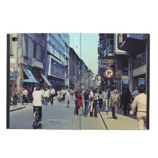 Vintage Street 1971 Powis iPad Air 2 Case