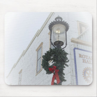 Vintage street light winter wreath white Christmas Mouse Pad