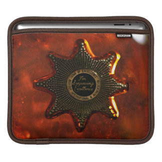 Vintage style star on a whiskey brown background iPad sleeves