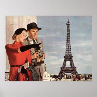 Vintage Travel - Lovers in Paris Poster