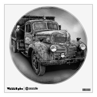 VINTAGE TRUCK IN BLACK AND WHITE WALL DECAL