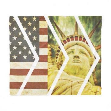 USA Themed Vintage USA Flag Statue of Liberty Chevrons Fleece Blanket