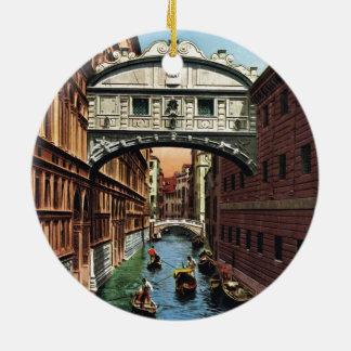 Vintage Venecia, el puente de suspiros Adorno Navideño Redondo De Cerámica