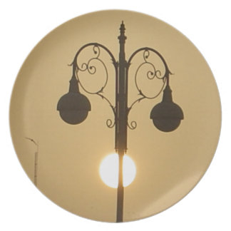 Vintage Victorian Sunset street light.png Dinner Plate