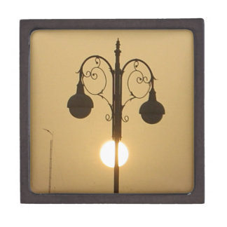 Vintage Victorian Sunset street light.png Gift Box