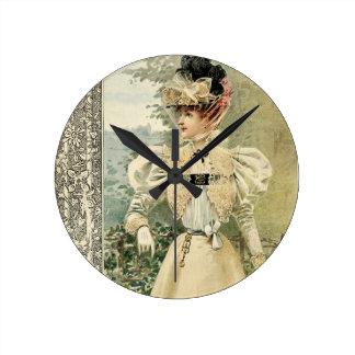 Vintage Victoriana Le Nouvelle Monde Round Clock