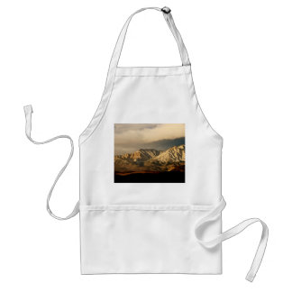VINTAGE VIEW OF THE EASTERN SIERRA MOUNTAINS ADULT APRON