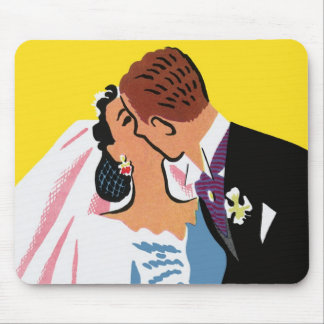 Vintage Wedding, Bride and Groom Newlyweds Kissing Mouse Pad