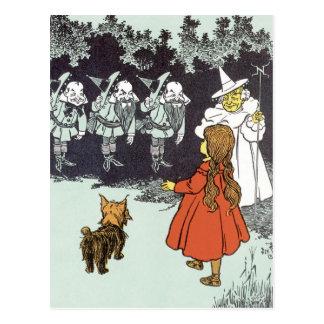 Vintage Wizard of Oz Dorothy Toto Glinda Munchkins Postcard