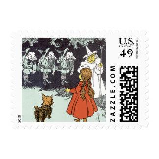Vintage Wizard of Oz Dorothy Toto Glinda Munchkins Stamp