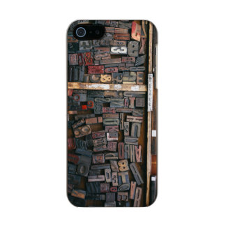 Vintage Woodtype Printing Metallic Phone Case For iPhone SE/5/5s
