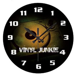 Vinyl Junkie Old Retro turn table Clock
