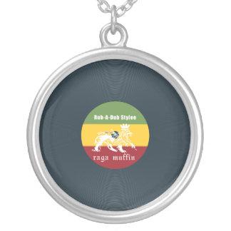 Vinyl rubadub round pendant necklace
