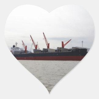 Viola del carguero de graneles pegatina en forma de corazón