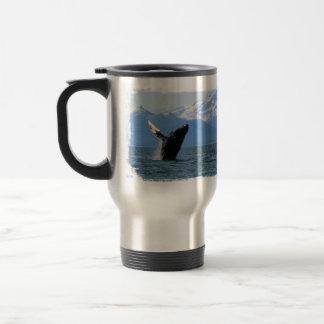 Violación de la ballena jorobada taza de viaje de acero inoxidable