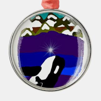 Viole a las montañas la orca adorno navideño redondo de metal