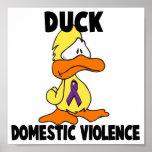 Violencia en el hogar del pato posters