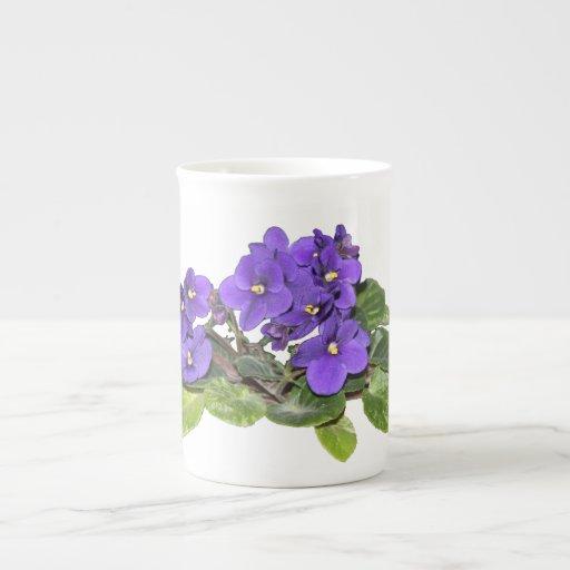 Violeta africana taza de porcelana