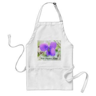 Violeta delicada de la primavera delantal