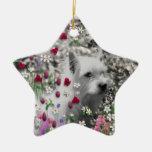 Violeta en flores - perro blanco de Westie Ornamentos De Reyes Magos