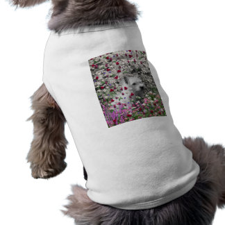Violeta en flores - perro blanco de Westie Camisas De Mascota