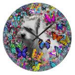 Violeta en mariposas - perro blanco de Westie Terr Relojes