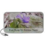 Violeta púrpura en el jardín de piedras notebook altavoz