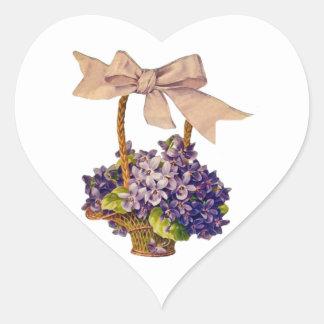 Violetas con un pegatina del arco