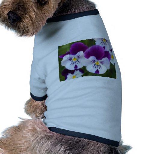 Violetas púrpuras camiseta con mangas para perro