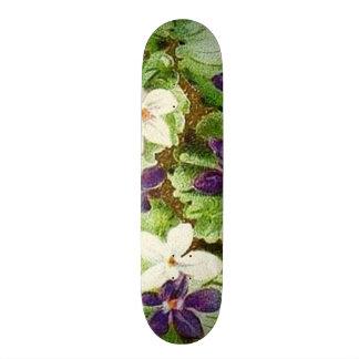 Violetas púrpuras verdes florales del vintage patín personalizado