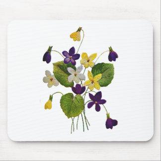 Violetas salvajes clasificadas hechas en bordado d alfombrillas de raton