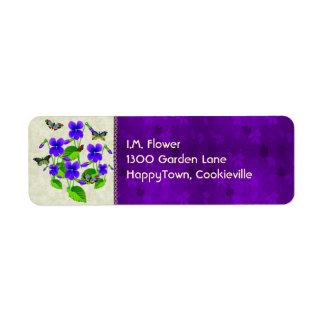 Violetas y mariposas etiquetas de remite