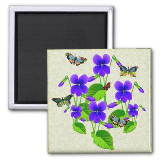 Violetas y mariposas imán cuadrado