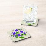 Violetas y mariposas posavasos de bebida