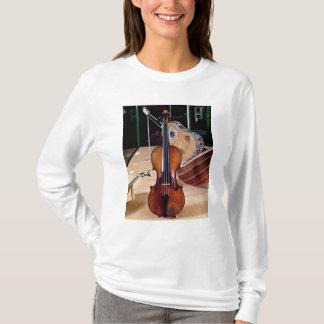 Violin, by Stradivari, Cremona, 1699 (photo; T-Shirt
