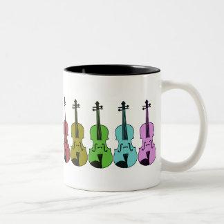 Violín colorido taza de dos tonos