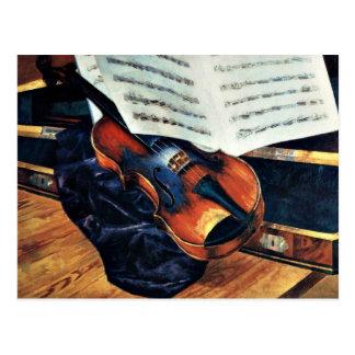 Violin, pintura 1916 de Petrov-Vodkin Postal