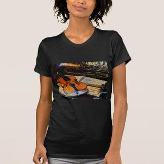 Violín y bugle t-shirts