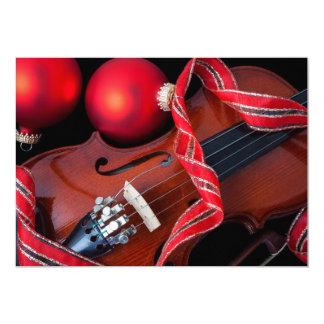 """Violín y ornamentos rojos del navidad invitación 5"""" x 7"""""""