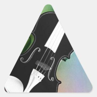 Violine phtographed por Tutti Pegatina Triangular