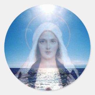 Virgen María bendecido sobre el océano Etiqueta Redonda