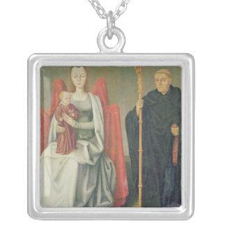 Virgen y niño con St. Benedicto Collar Plateado