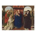 Virgen y niño de enero Eyck- con los santos y el d Postal