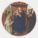Virgen y niño de enero Eyck- con los santos y el Pegatina Redonda