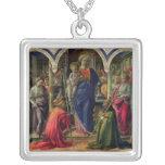 Virgen y niño rodeados por ángeles colgante cuadrado