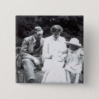 Virginia Woolf with Clive and Julian Bell, 1910 Button
